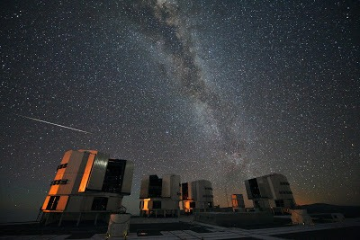 Very Large Telescope, adalah teleskop cahaya tampak paling canggih yang berada di Cerro Paranal, Antofagasta, Región de Antofagasta, Chili.