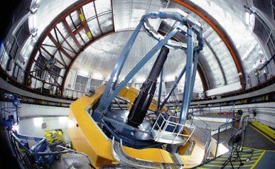 Teleskop inframerah UKIRT di Mauna Kea, Hawai.
